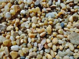 pebbles-414038_640