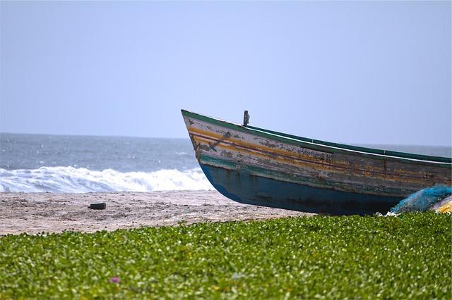 boat-677781_640